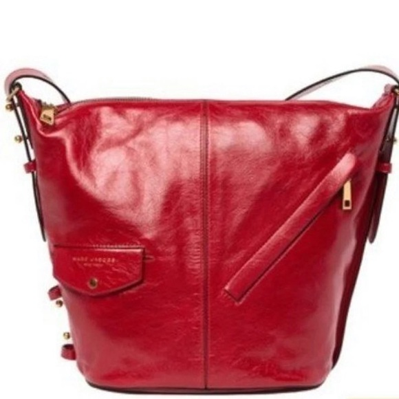 Marc Jacobs Handbags - NWT.  MARCK JACOBS BUCKET BBAG - RED